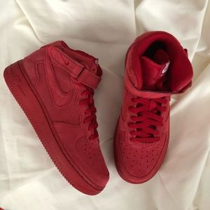 Nike Air Force 1 Mid Triple Red